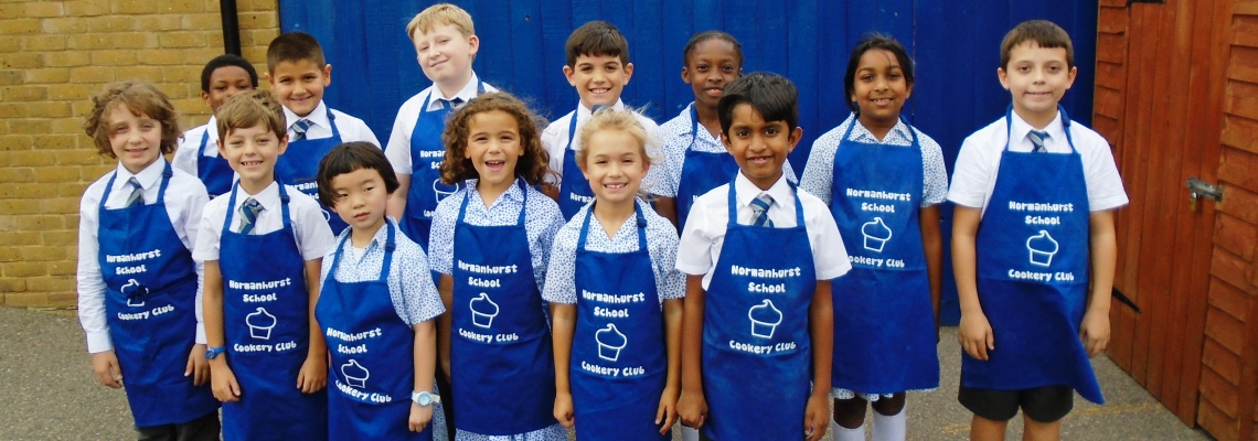 Extracurricular cookery club Normanhurst School